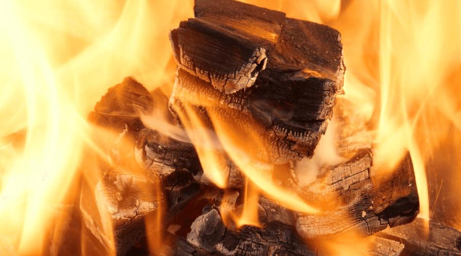 Ile czasu pali się brykiet?